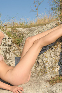 Zemira A flaunts her sexy body and sweet pussy outdoors.