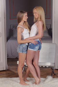 Teen Depot - Lina Napoli and Cayenne Klein